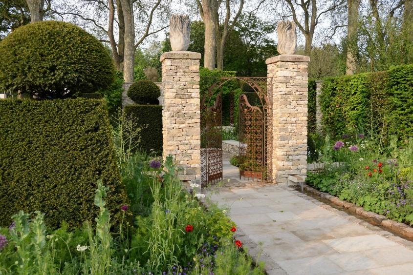 Brewin Dolphin, Best in Show, Chelsea Flower Show, Gold Medal, Cleve West, garden design, contemporary garden design, formal garden, garden designers surrey, garden designers london, garden sculpture