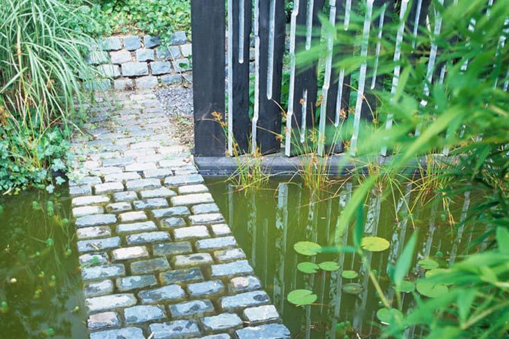 Cleve West, Landscape Design, Garden Designer, Award Winning, Granite Setts, Water Garden